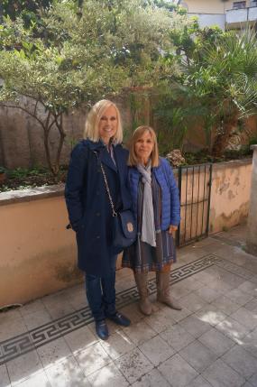 Viesošanās laikā SKK Valdes priekšsēdēāja Marika Ģederte tikās ar International Esthetique Schule īpašnieci Dr. Adeli D'Ambrosio.